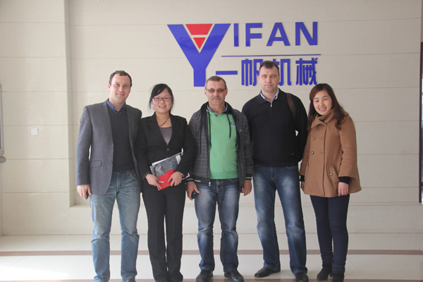 March 27, 2013, the Russian customers to Zhengzhou Yifan Machinery Co., study tours.